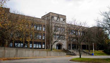ECONOMICOLOGY HIGH SCHOOL NAMED BEST IN STATE